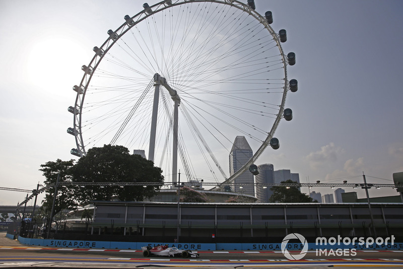 Charles Leclerc, Sauber C37 and Singapore Flyer