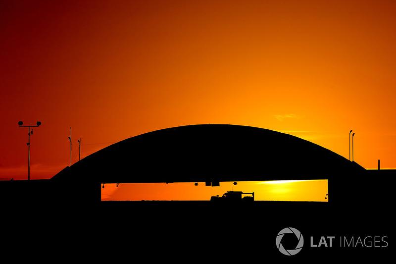 1. Amanecer en Le Mans