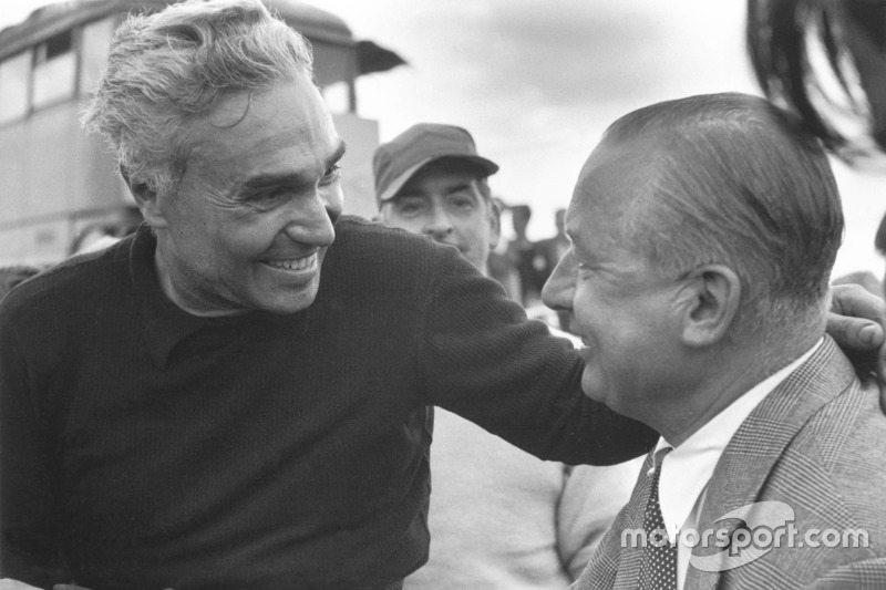 Piero Taruffi habla con Tony Vandervell