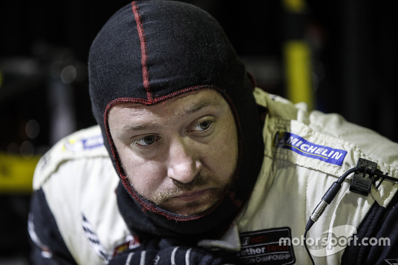 #4 Corvette Racing Chevrolet Corvette C7.R: Oliver Gavin, Tommy Milner, Marcel Fässler, miembro del equipo