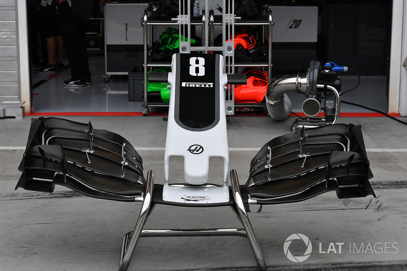 Haas VF-17 nose and front wing