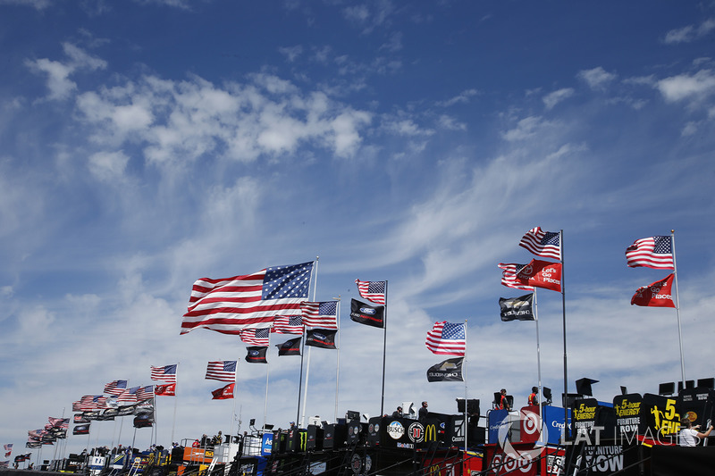 Monster Energy NASCAR Cup Series garaje