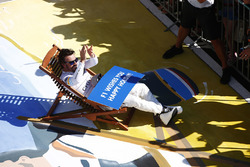 Fernando Alonso, McLaren, wishes everyone a happy holiday after the race