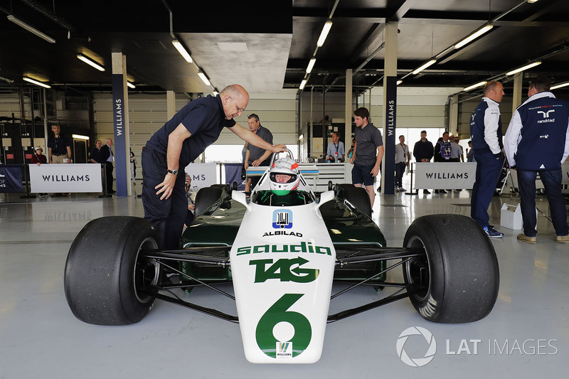 Martin Brundle in the cockpit of a six-wheeled Williams FW08