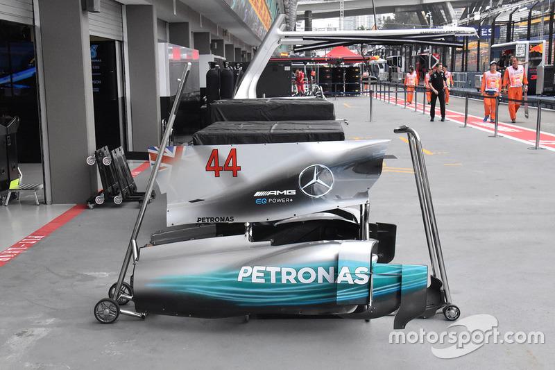 Lewis Hamilton, Mercedes AMG F1 W08: Motorhaube und Abdeckung der Seitenkästen