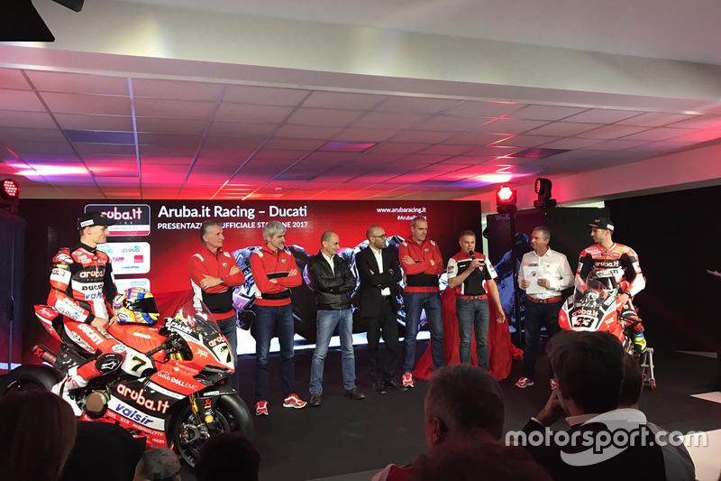 Presentación del equipo Ducati con Marco Melandri y Chaz Davis