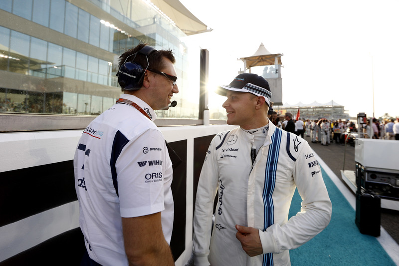 Jonathan Eddolls, Race Engineer, Williams y Valtteri Bottas, Williams, en la parrilla