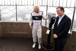 Richard Branson all'Empire State Building