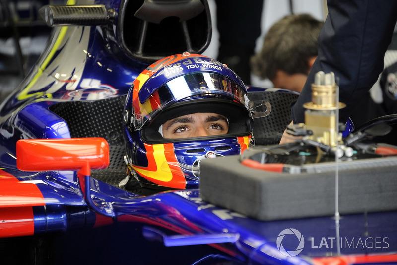 Карлос Сайнс, Toro Rosso – за