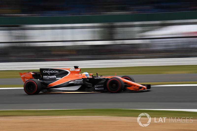Фернандо Алонсо, McLaren MCL32, іскрить