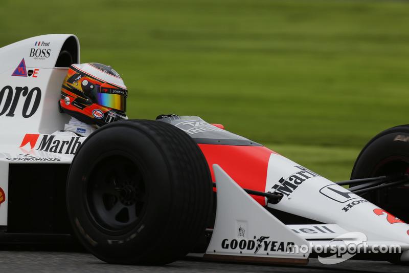 Showrun: Stoffel Vandoorne im McLaren-Honda MP4/5 von Alain Prost