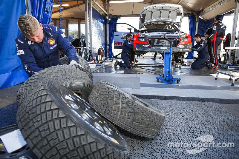 Командна зона Hyundai Motorsport