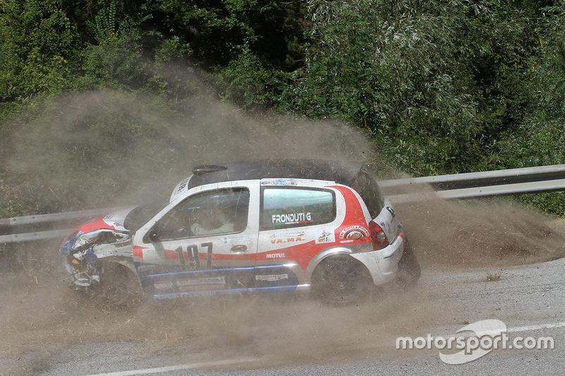 Incidente per Giuseppe Fronduti, Renault Clio RS Plus