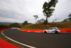 Luke Searle, Barry Graham, BMW M135i Hatch F20