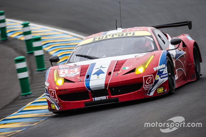 45: Ferrari 458 Italia команды AF Corse (№83): Франсуа Перродо, Эммануэль Коллар, Руи Агуаш