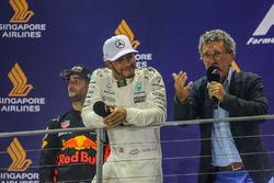 Podium: ganador, Lewis Hamilton, Mercedes AMG F1, segundo, Daniel Ricciardo, Red Bull Racing y Eddie Jordan