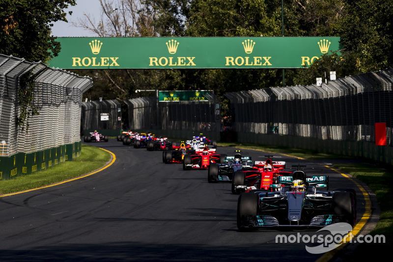 Lewis Hamilton, Mercedes AMG F1 W08; Sebastian Vettel, Ferrari SF70H; Valtteri Bottas, Mercedes AMG F1 W08