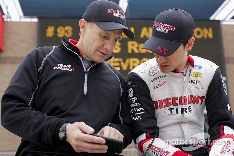 Joey Logano, Team Penske Ford y Greg Erwin