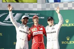 Lewis Hamilton, Mercedes AMG, Sebastian Vettel, Ferrari y Valtteri Bottas, Mercedes AMG en el podium