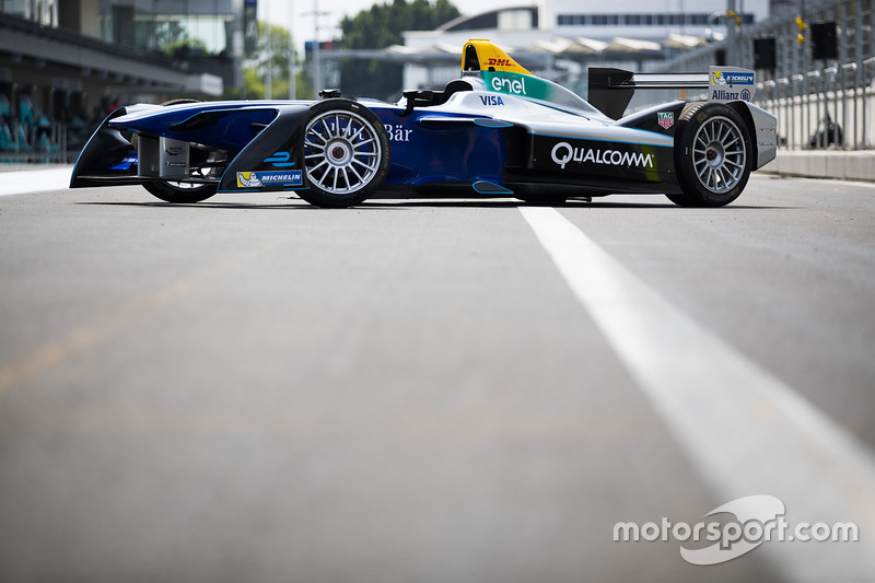 Formula E show car in the pits