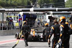 Фернандо Алонсо, McLaren MCL32, сходить