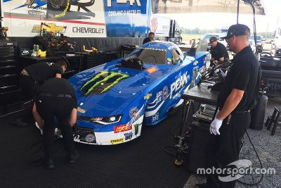 Brittany Force testet Funny-Car