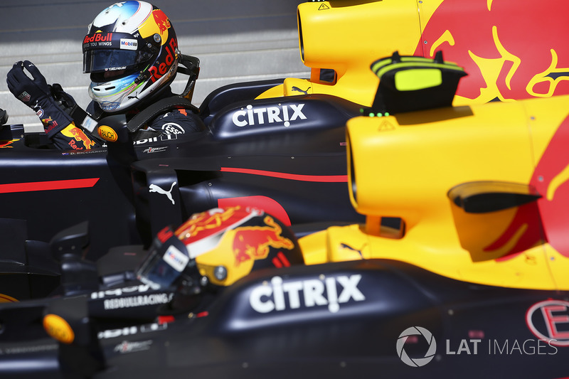 Max Verstappen, Red Bull, Daniel Ricciardo, Red Bull Racing, dans le parc fermé