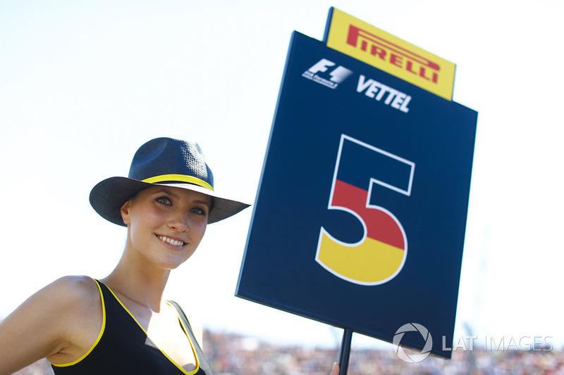 Chica de la parrilla para Sebastian Vettel, Ferrari SF70H