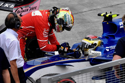 Sebastian Vettel, Ferrari ringrazia Pascal Wehrlein, Sauber C36 per il passaggio