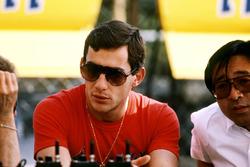 Ayrton Senna, Lotus; Osamu Goto, Honda-Rennleiter