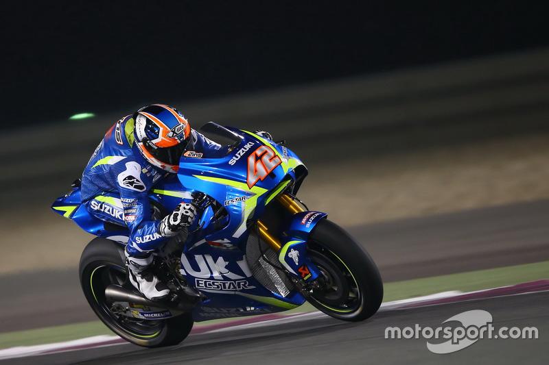 Alex Rins con la GSX-RR del equipo oficial Suzuki en Qatar