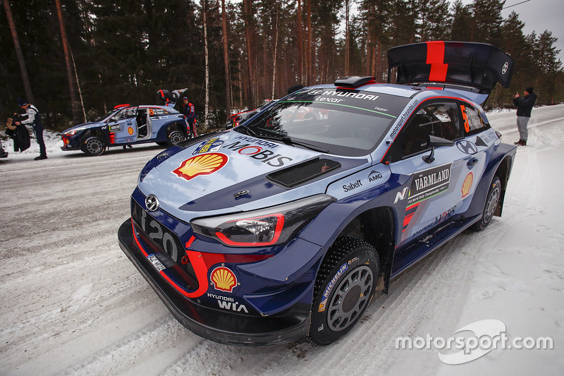 Coches de Dani Sordo, Marc Marti, Hyundai i20 WRC, Hyundai Motorsport, Thierry Neuville, Nicolas Gilsoul, Hyundai i20 WRC, Hyundai Motorsport