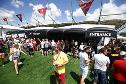 Fans outside the Pit Stop Challenge tent