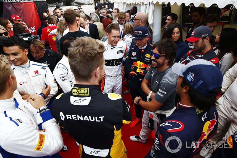 Stoffel Vandoorne, McLaren, Max Verstappen, Red Bull, Fernando Alonso, McLaren, Carlos Sainz Jr., Scuderia Toro Rosso, Nico Hulkenberg, Renault Sport F1 Team, Marcus Ericsson, Sauber