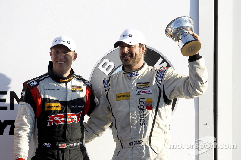 Podio ST: tercer lugar #17 RS1 Porsche Cayman: Nick Galante, Spencer Pumpelly