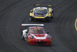#58 Wright Motorsports Porsche 911 GT3 R: Patrick Long, #9 K-Pax Racing McLaren 650S GT3: Alvaro Parente