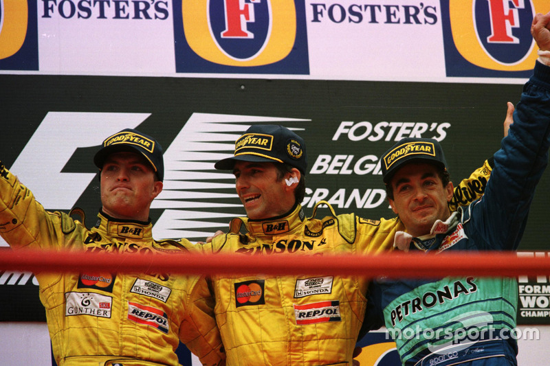 Podium: Racewinner Damon Hill, Jordan, second place Ralf Schumacher, Jordan; third place Jean Alesi, Sauber