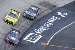 Jamie McMurray, Chip Ganassi Racing Chevrolet, Метт Кенсетт, Joe Gibbs Racing Toyota, Джиммі Джонсон, Hendrick Motorsports Chevrolet