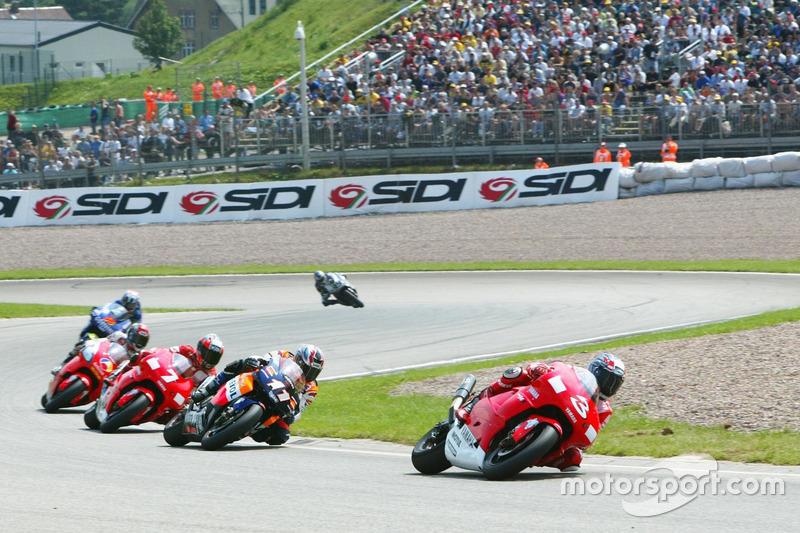 Max Biaggi, Marlboro Yamaha Team, in Führung