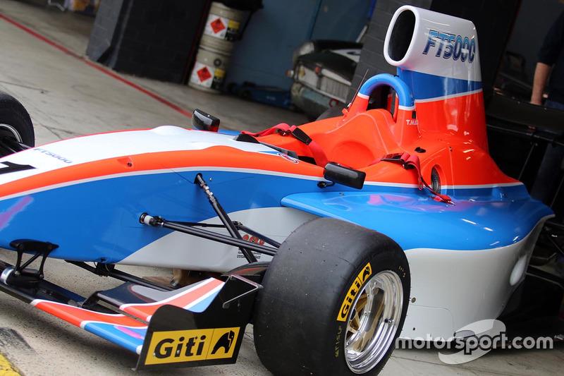 Sitting on the pit apron at Sydney Motorsport Park