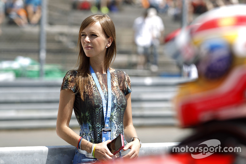 Liri Farfus, wife of Augusto Farfus, BMW Team MTEK, BMW M4 DTM