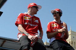 Kimi Raikkonen, Scuderia Ferrari y Sebastian Vettel, Scuderia Ferrari