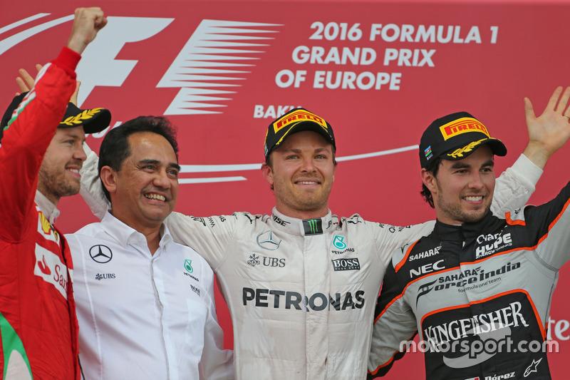 Sebastian Vettel, Scuderia Ferrari, Nico Rosberg, Mercedes AMG F1 Team and Sergio Perez, Sahara Force India