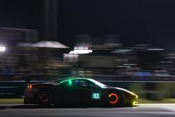 #63 Scuderia Corsa, Ferrari 488 GTD: Christina Nielsen, Alessandro Balzan, Jeff Segal