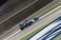 Funkenflug bei Lewis Hamilton, Mercedes W07 Hybrid