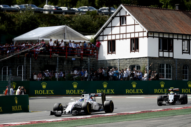 Felipe Massa, Williams FW38 Mercedes, leads Sergio Perez, Force India VJM09 Mercedes