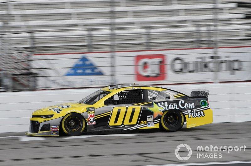 33. Landon Cassill, StarCom Racing, Chevrolet Camaro