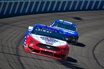Joey Logano, Team Penske, Ford Mustang AAA Southern California, Ricky Stenhouse Jr., Roush Fenway Racing, Ford Mustang Fastenal