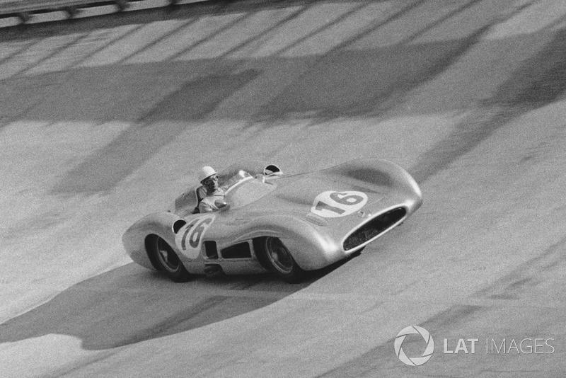 1955. Mercedes W196s