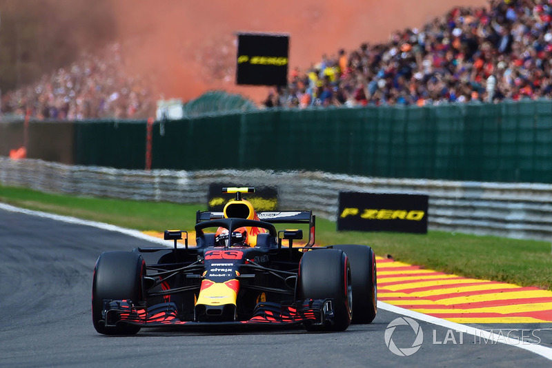 Das Talent: Max gehört, das kann keiner ernsthaft bezweifeln, neben Hamilton und Vettel (vielleicht auch Leclerc) der Fahrer mit dem besten natürlichen Speed im Feld. Selbst Helmut Marko sagt, dass der Niederländer um drei Zehntel schneller fahren konnte als Daniel Ricciardo. Rein vom Talent her ist Max Weltmeister-Material!